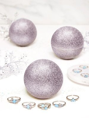 Charmed Aroma Silver Shimmer jewel bath bomb with Silver Ring