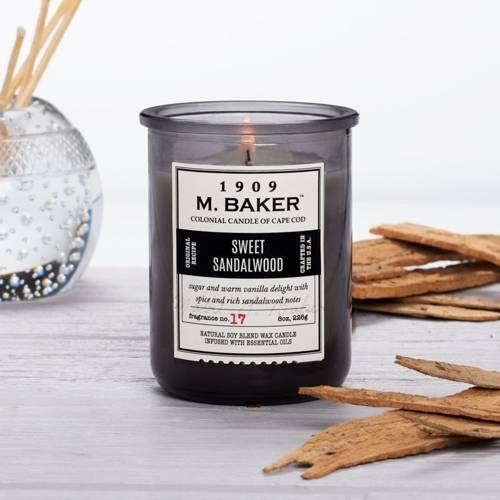 Colonial Candle M. Baker sojowa świeca zapachowa w słoju 8 oz 226 g - Sweet Sandalwood